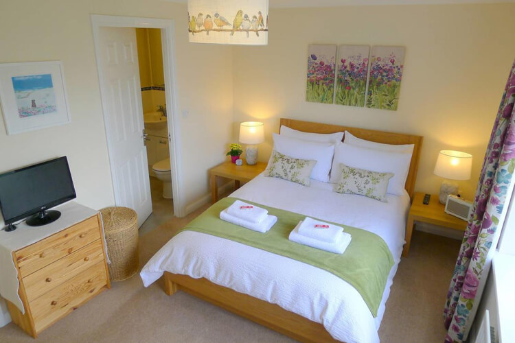 The Airfield Bed and Breakfast - Image 2 - UK Tourism Online