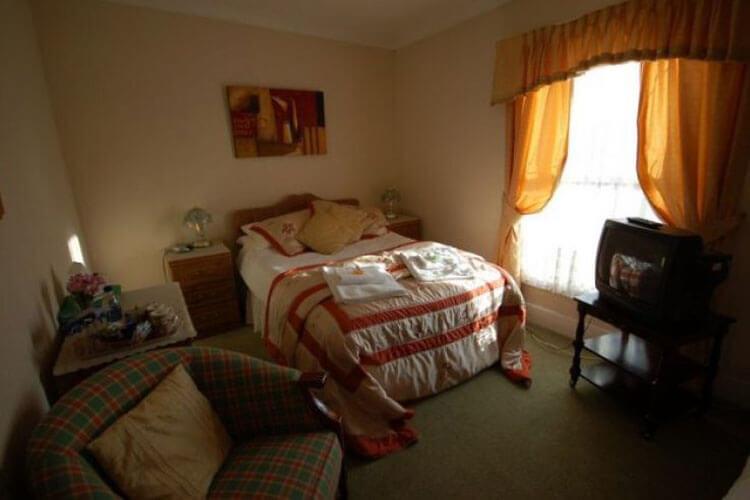Chestnut Villa - Image 2 - UK Tourism Online