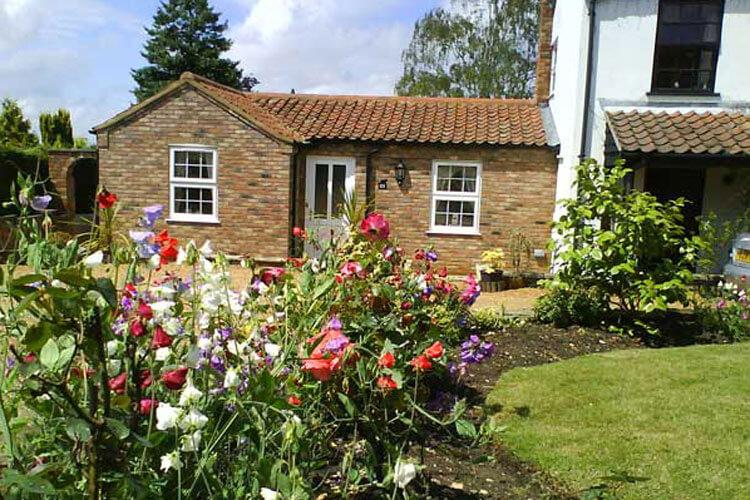 Style Cottage - Image 1 - UK Tourism Online