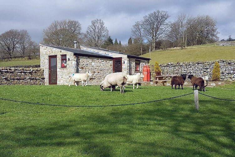 Leekworth Caravan Park Shepherds Cottage - Image 1 - UK Tourism Online