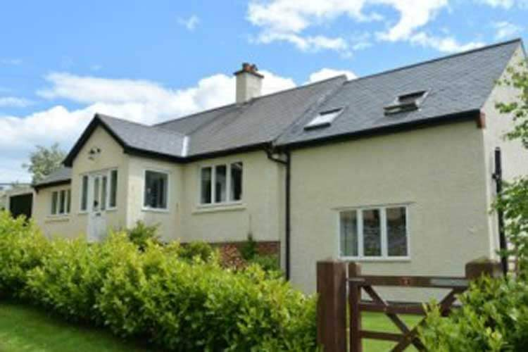 Heatherlea Holiday Cottage - Image 1 - UK Tourism Online