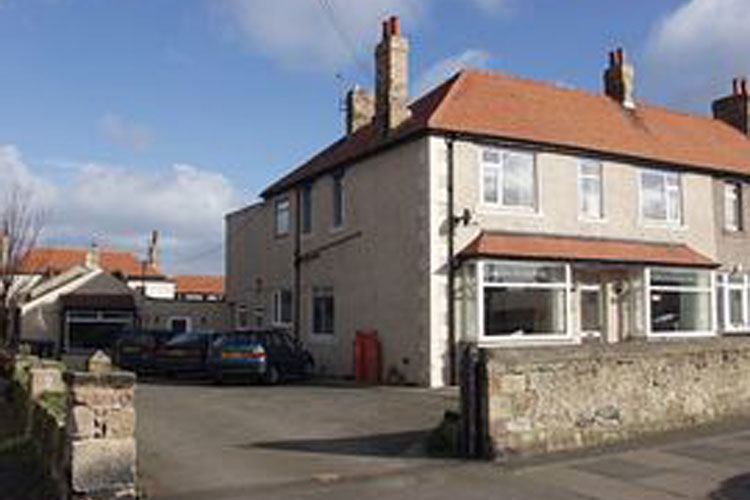 Horncliffe Guest House - Image 1 - UK Tourism Online