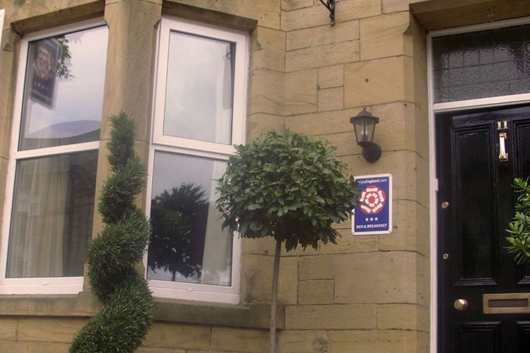 Tate House Bed & Breakfast - Image 1 - UK Tourism Online