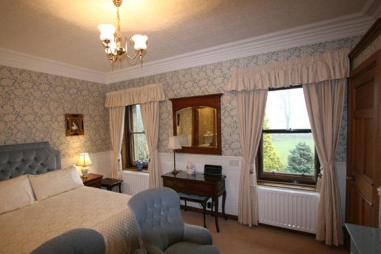 West Acre House - Image 1 - UK Tourism Online