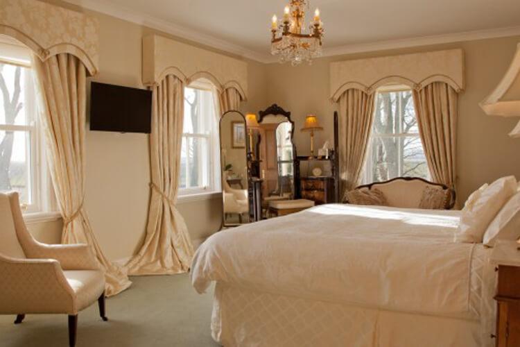 West Longridge Manor B&B and Cottages - Image 2 - UK Tourism Online