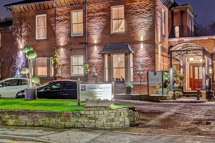 Alexandra Court Hotel - Image 1 - UK Tourism Online