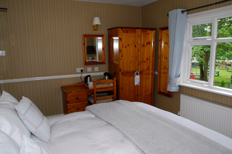Egerton Arms Country Inn - Image 2 - UK Tourism Online
