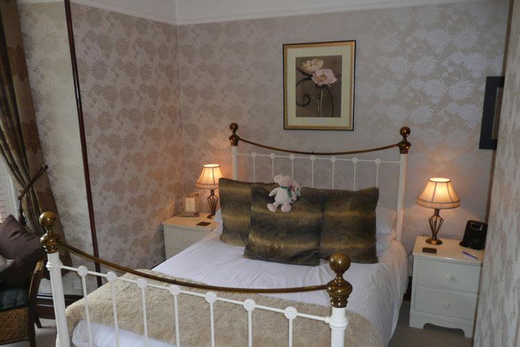 Glenville House - Image 1 - UK Tourism Online