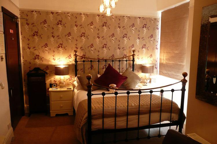 Glenville House - Image 5 - UK Tourism Online