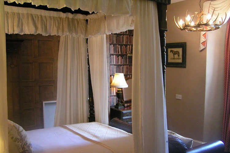 Lonsdale Guest House And Cottages - Image 1 - UK Tourism Online