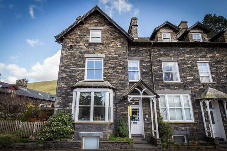 Lyndale Guest House - Image 1 - UK Tourism Online