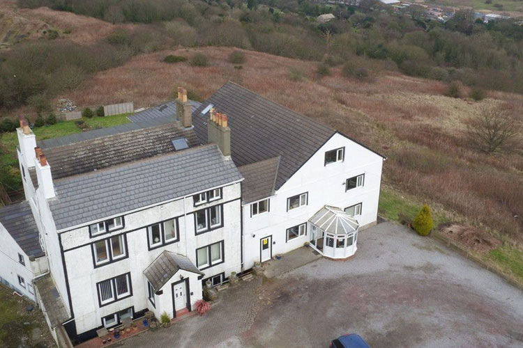 The Mansion Bed And Breakfast - Image 1 - UK Tourism Online