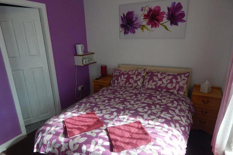 Llanryan Guest House - Image 2 - UK Tourism Online