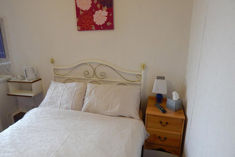 Llanryan Guest House - Image 3 - UK Tourism Online