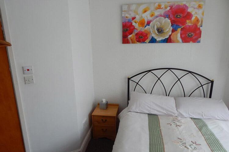 Llanryan Guest House - Image 4 - UK Tourism Online