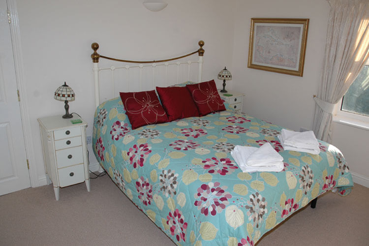 Abbey House Apartment Hotel - Image 2 - UK Tourism Online