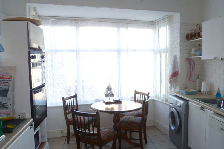 Wirral Holiday Apartment - Image 3 - UK Tourism Online