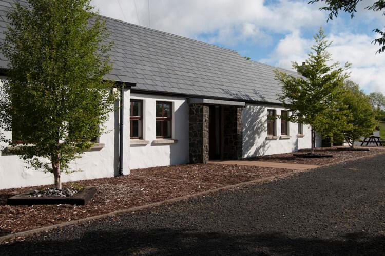Tavnaghoney Cottages - Image 1 - UK Tourism Online