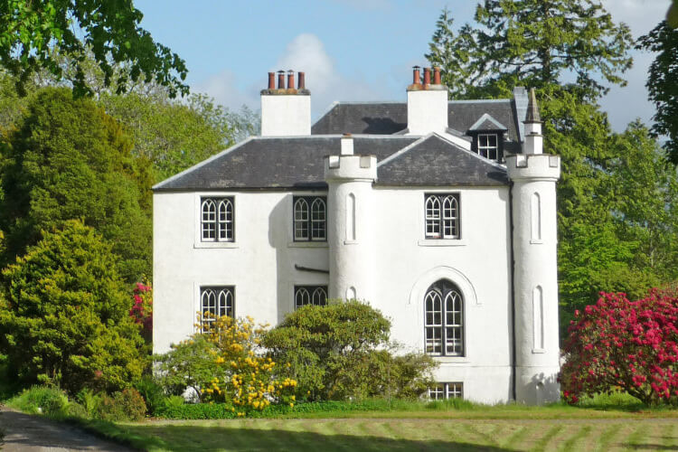 Kinlochlaich House Holidays - Image 1 - UK Tourism Online