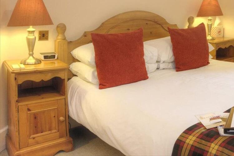 Knap Guest House - Image 1 - UK Tourism Online