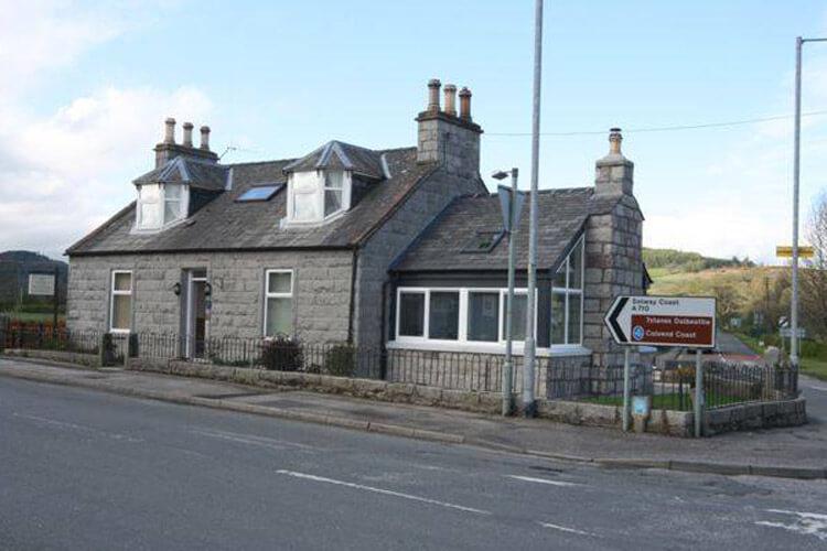 Kerr Cottage - Image 1 - UK Tourism Online