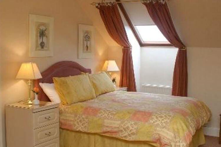 The Aberdour Licensed Guesthouse - Image 2 - UK Tourism Online