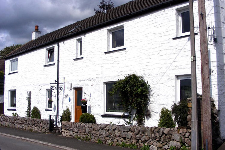 Trewan Guest House Self Catered Accommodation - Image 1 - UK Tourism Online