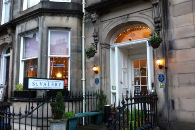 St Valery Guest House - Image 1 - UK Tourism Online