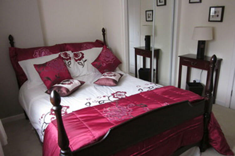 Three Bridges Bed & Breakfast - Image 1 - UK Tourism Online