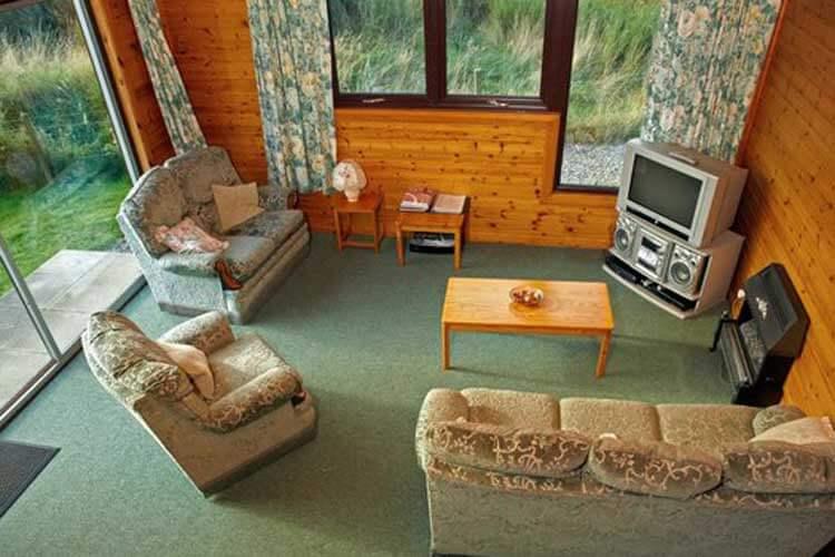 Drumnadrochit Lodges - Image 3 - UK Tourism Online