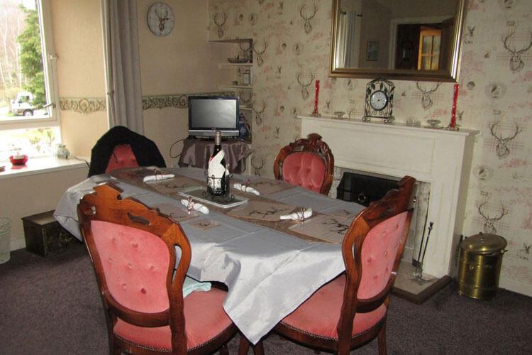 Holly Cottage - Image 2 - UK Tourism Online