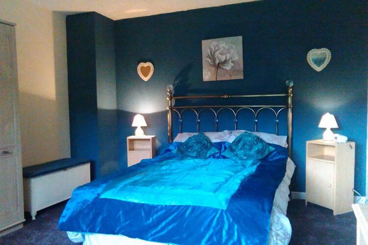 Holly Cottage - Image 4 - UK Tourism Online