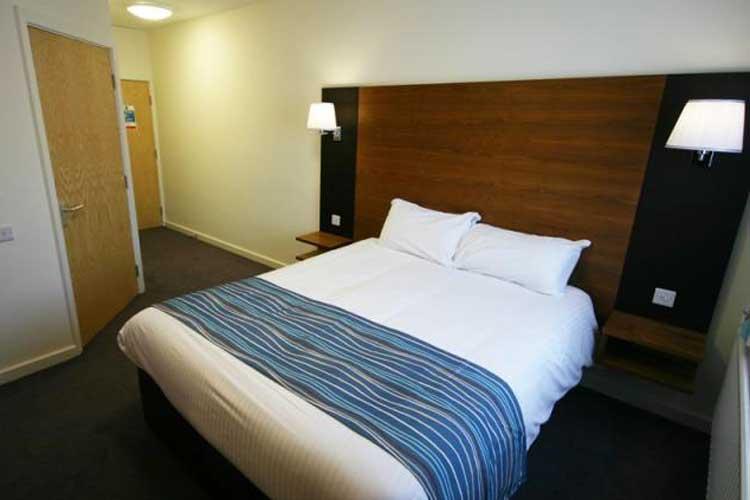 Eye Sleep Over - Image 2 - UK Tourism Online