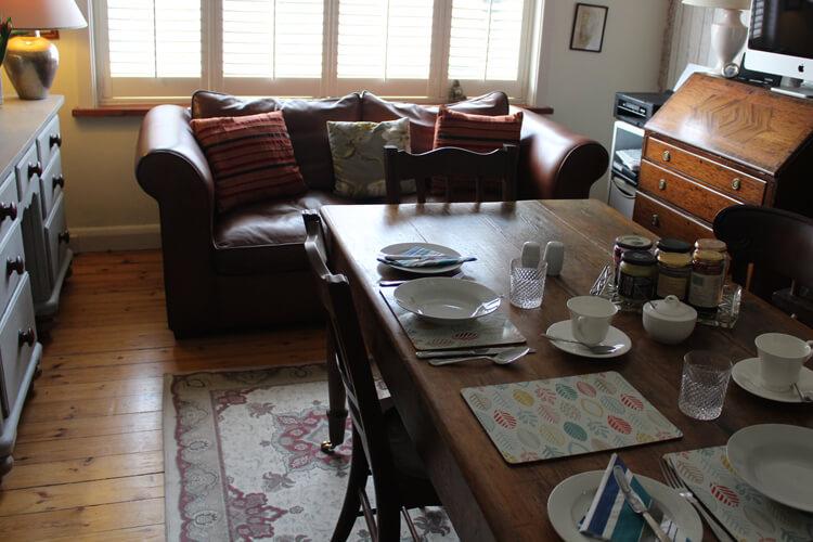 Cranleigh House Bed & Breakfast - Image 2 - UK Tourism Online