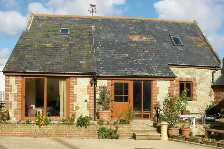 Atherfield Green Holiday Cottages - Image 1 - UK Tourism Online