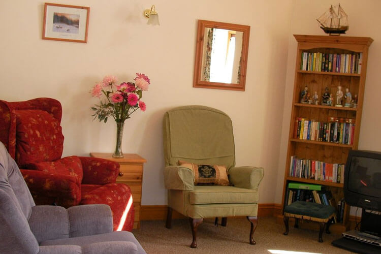 Atherfield Green Holiday Cottages - Image 5 - UK Tourism Online