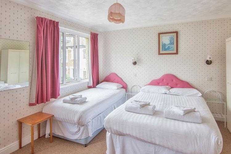 Wight Bay Hotel - Image 4 - UK Tourism Online