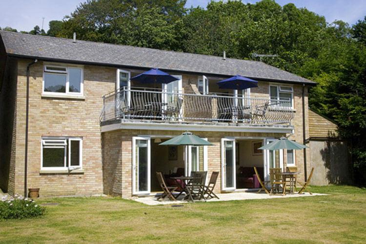 Woodcliffe Holiday Apartments - Image 1 - UK Tourism Online