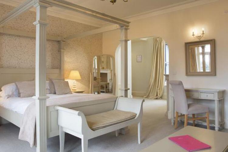 Bell Hotel - Image 2 - UK Tourism Online