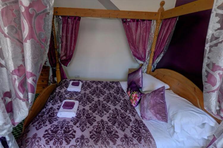 Fleur De Lis Hotel - Image 1 - UK Tourism Online
