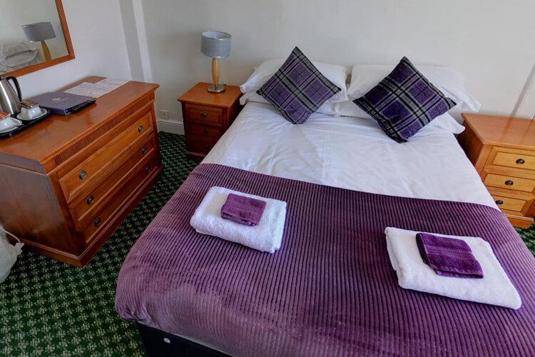 Fleur De Lis Hotel - Image 2 - UK Tourism Online