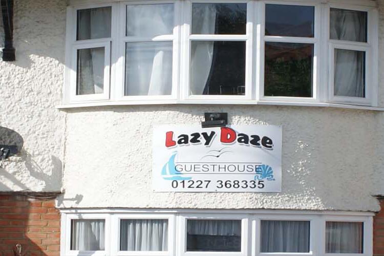Lazy Daze Guest House - Image 1 - UK Tourism Online