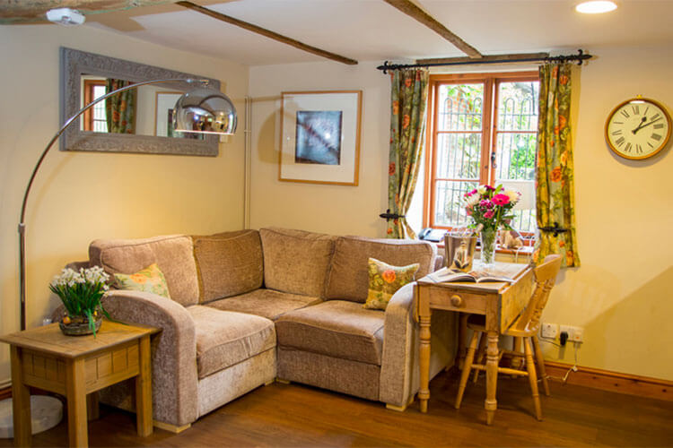 Weir Cottage - Image 3 - UK Tourism Online