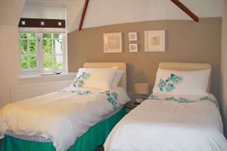 Dragons Lodge Self Catering - Image 5 - UK Tourism Online