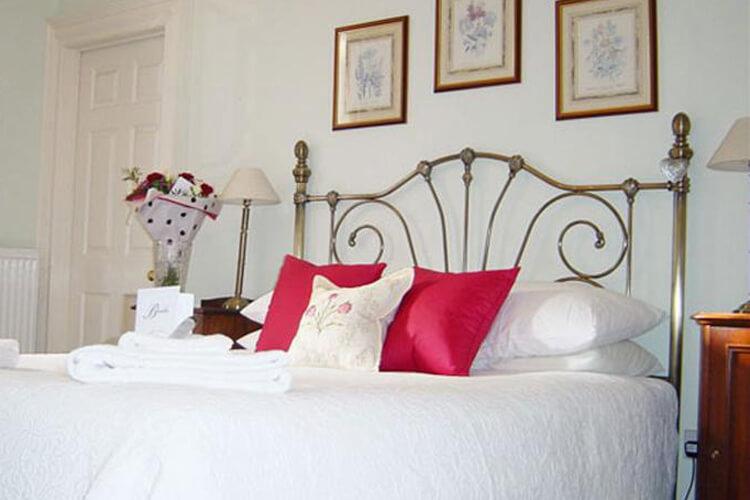 Brocks Guest House - Image 1 - UK Tourism Online