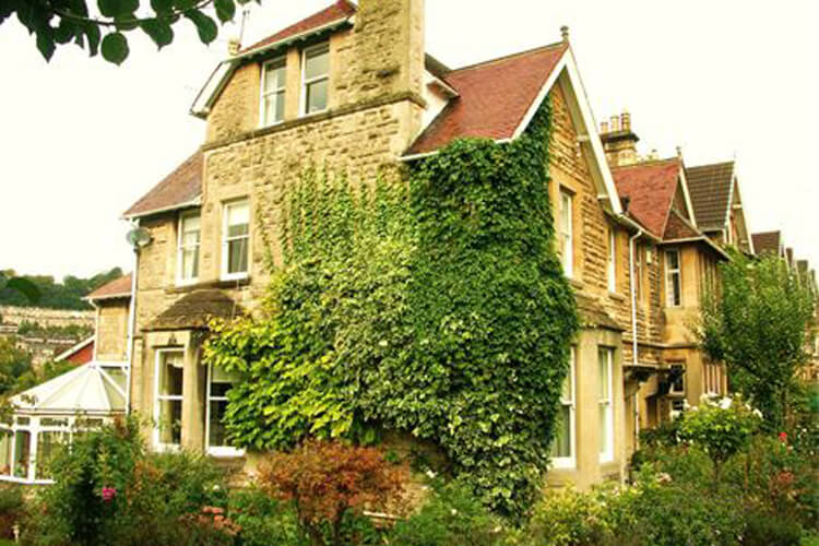 Greenway Guest House - Image 1 - UK Tourism Online