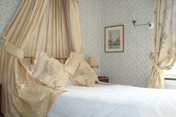 Greenway Guest House - Image 4 - UK Tourism Online