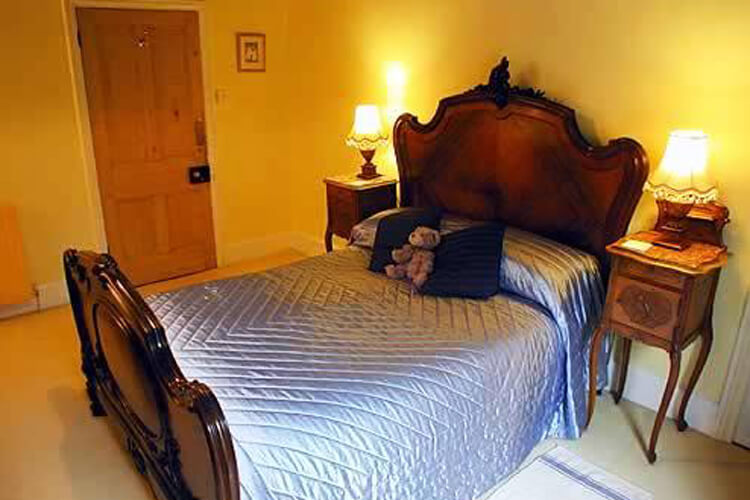 Bedknobs Bed and Breakfast - Image 2 - UK Tourism Online