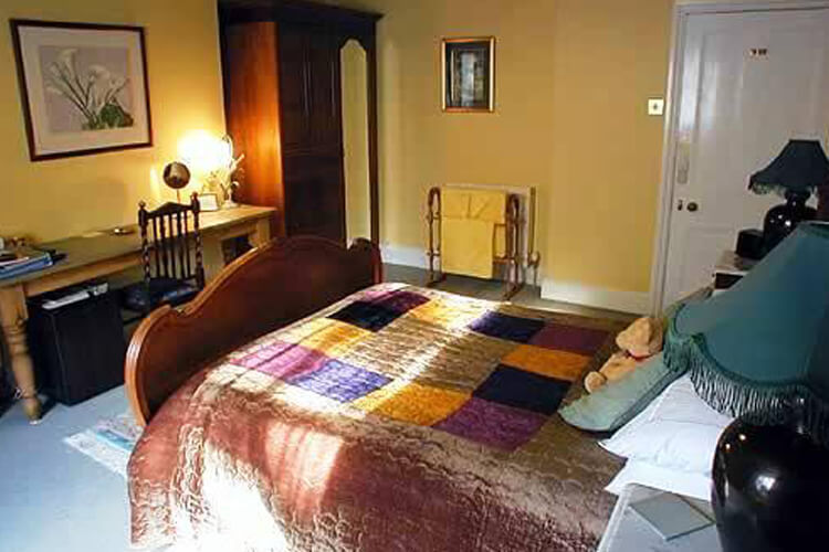 Bedknobs Bed and Breakfast - Image 3 - UK Tourism Online