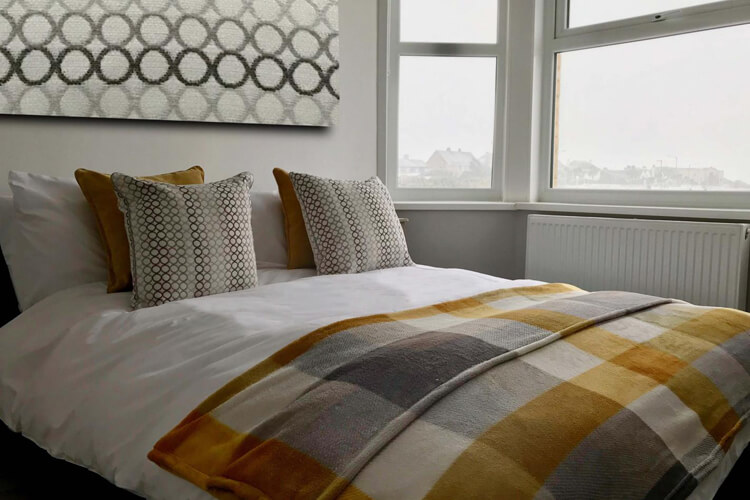 Breakers Guest House - Image 4 - UK Tourism Online